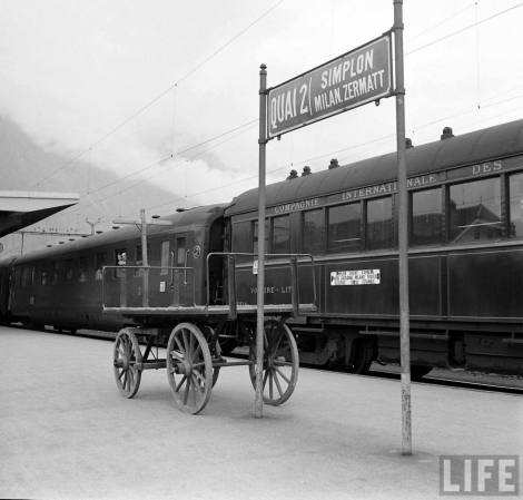 Simplon Sempione treno Orient Express 1950 LIFE Briga Station, 1950 Photo Jack Birns