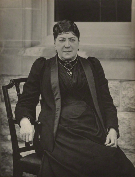 Amélie Castelnau o Lady Wallace in una foto di Walter Scott nel 1890, Londra, National Portrait Gallery