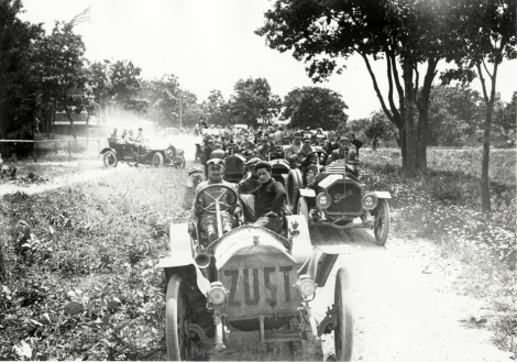 View of motorists in cars lined up in road during the 1910 Montauk Point Reliability Run. Zust and Buick cars in foreground. Sponsored by the Motor Contest Association, the two-day endurance run, also known as the